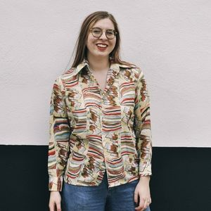 Vtg fruit of the loom yellow water marble shirt